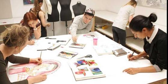 مشخصات بهترین آموزشگاه طراحی لباس